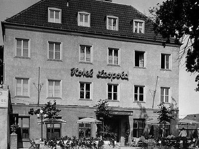 Hotel Leopold outside view